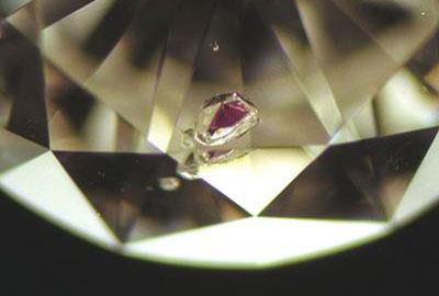 ガーネット入りダイヤモンド