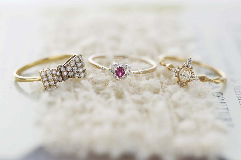 指輪の中でも小指に着けるピンキーリングはハッピーリング♡