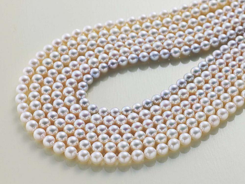厄除けや成人のお祝いに贈られる真珠
