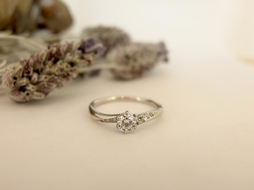 エルドーオリジナル婚約指輪『20万シリーズ』