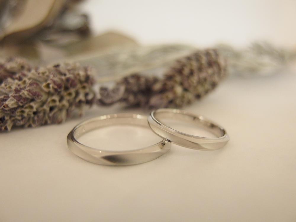 エルドーセレクトブランドの結婚指輪『ユイコハナイ』