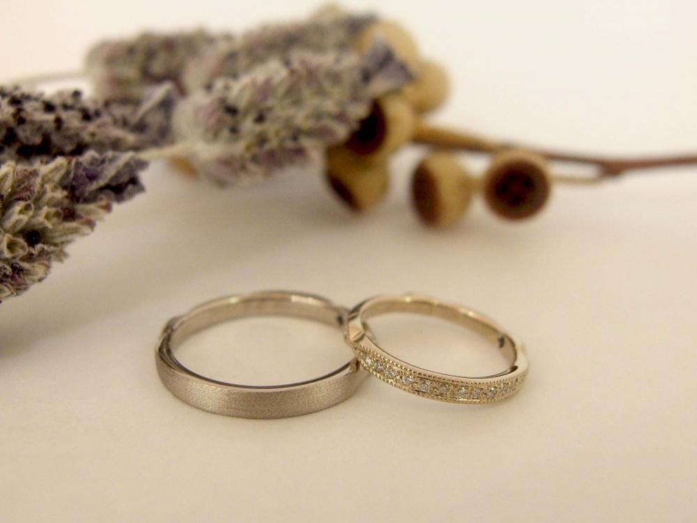 エルドーセレクトブランドのエタニティー結婚指輪の『アフラックス』