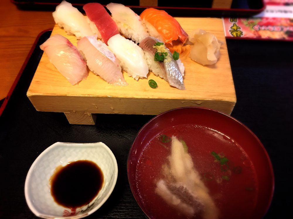 福山市笠岡町の「一」のお寿司ランチセット