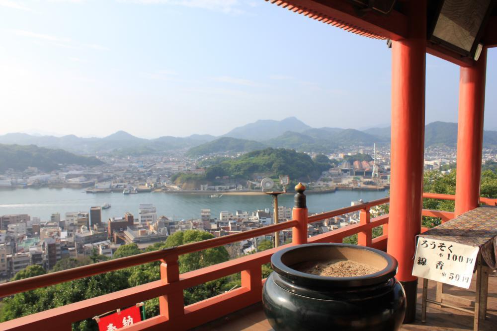 千光寺山の山頂から尾道を望む。