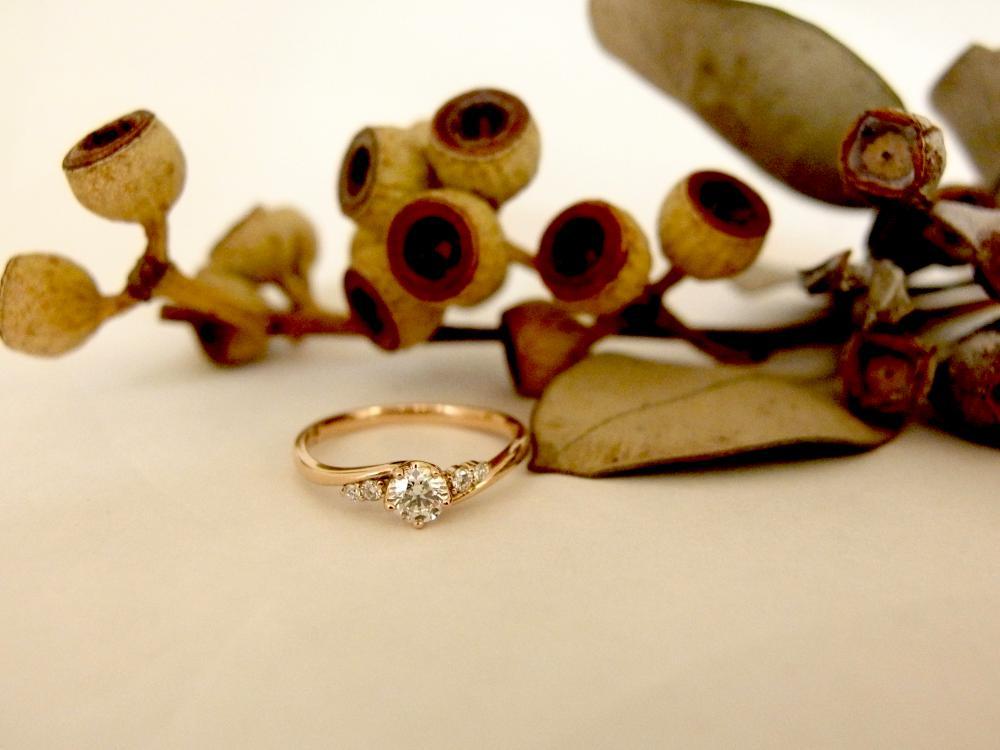 エルドーオリジナルの婚約指輪『メリア』