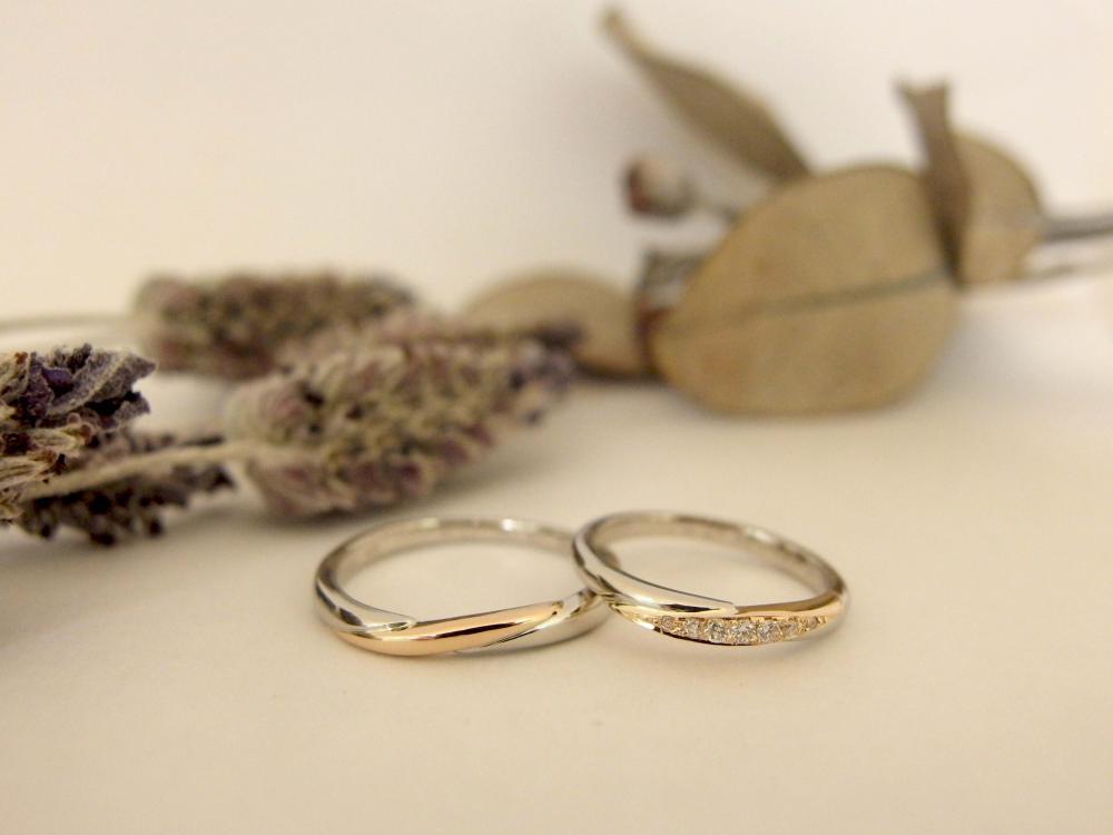 エルドーオリジナルのコンビ仕上げの結婚指輪の『ル・ミュジック』