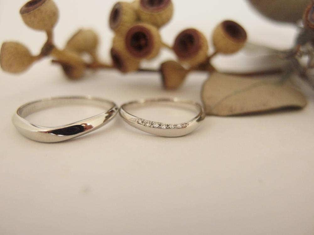 エルドーオリジナルのVライン結婚指輪『ル・ミュジック』