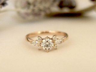 エルドーオリジナルのお花デザインの婚約指輪