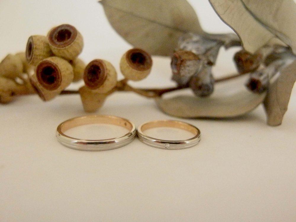 エルドーセレクトブランドのK18PG/PT900コンビ仕上げのの結婚指輪『RUNOA』