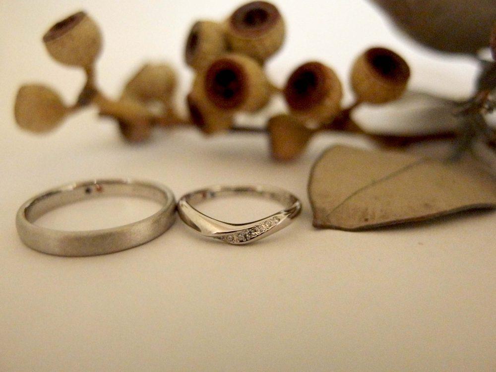 エルドーオリジナルのVラインの結婚指輪『エルドラド』