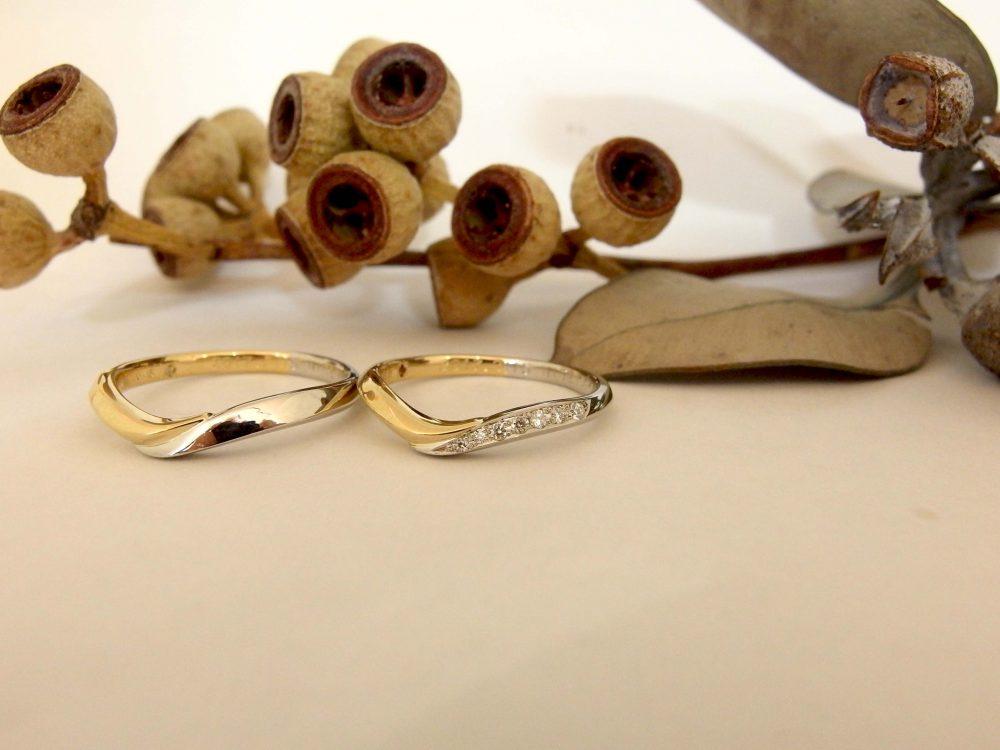 エルドーオリジナルのVライン・コンビの結婚指輪『メリア』