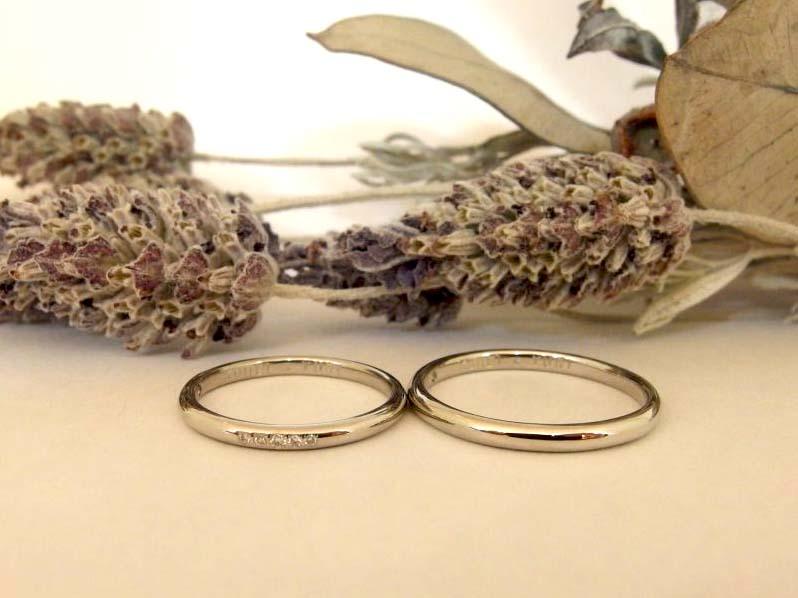 エルドーオリジナルブランドの結婚指輪プラチナのストレートで甲丸の『メリア』