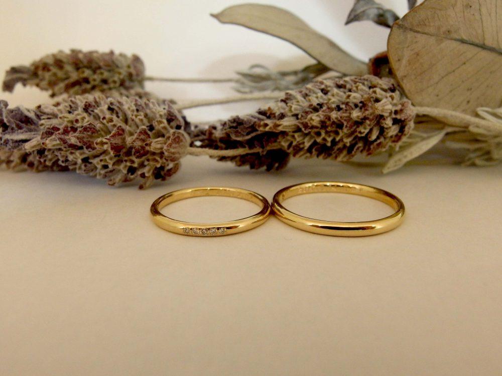 エルドーオリジナルブランドの結婚指輪K18のストレートで甲丸の『メリア』