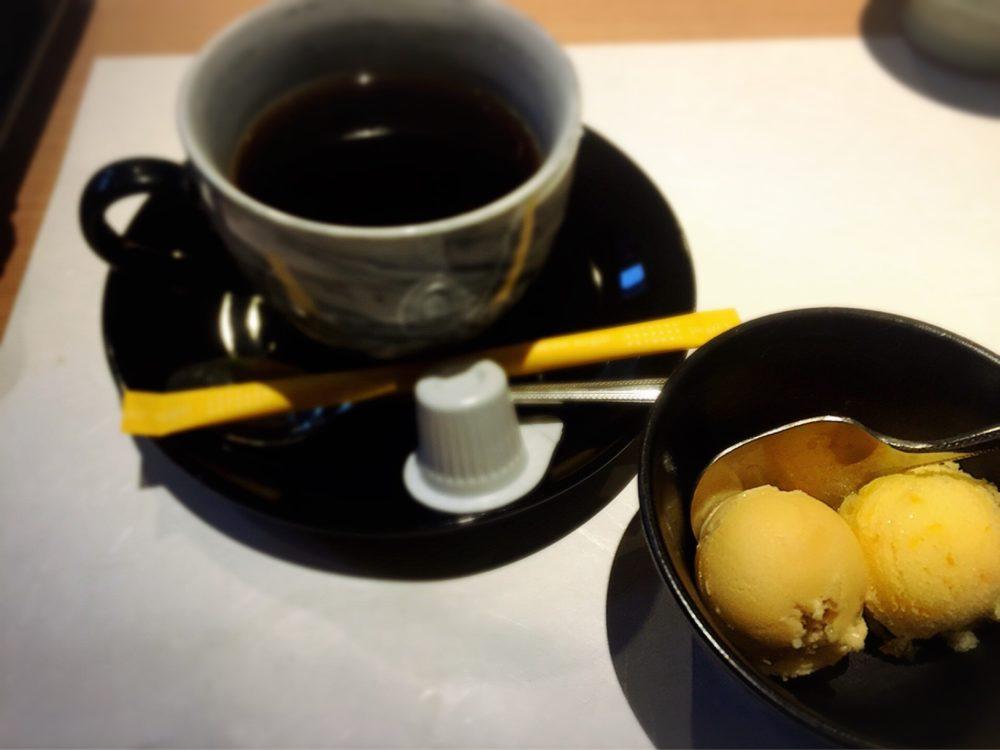 福山市神辺町のランチの食後のコーヒーとデザート