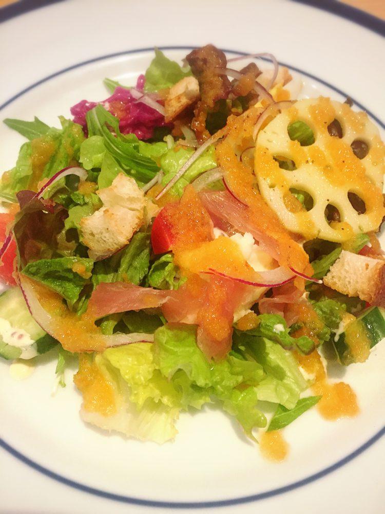 ナバホの野菜沢山のサタダ