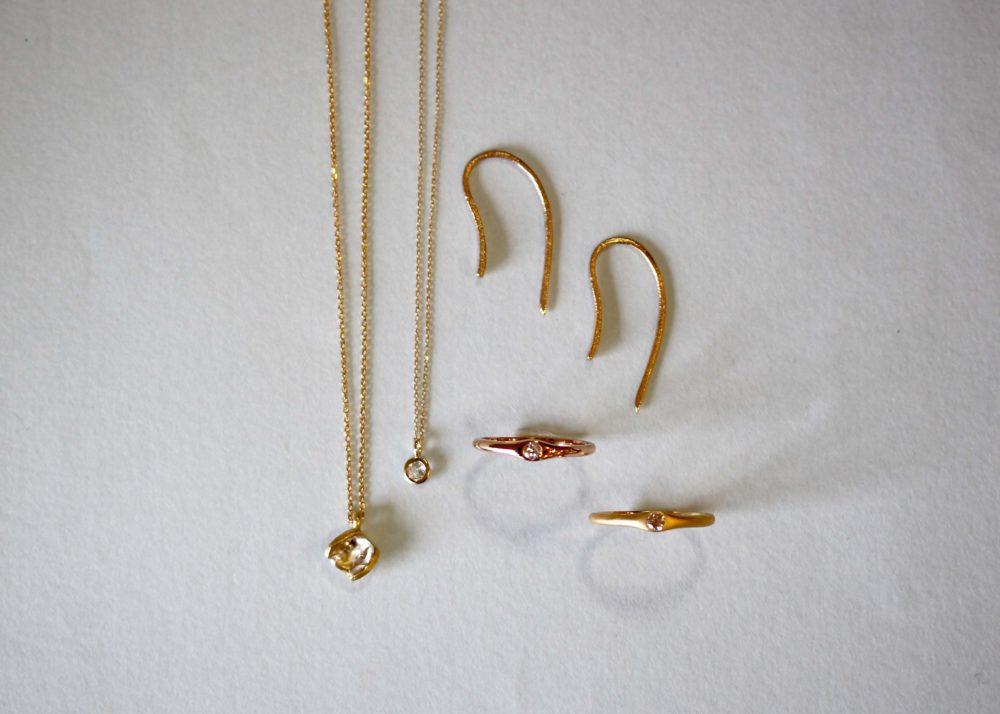 原石ダイヤ、ホワイトトパーズ、ダイヤの指輪
