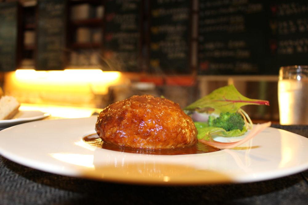 尾道市のビストロルーシュの美味しいハンバーグ