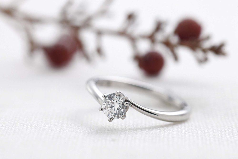 エンゲージリング=婚約指輪のこと。