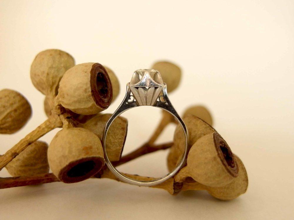 「お母さんがもう使わないから~」と婚約指輪を譲ってくれたそう。