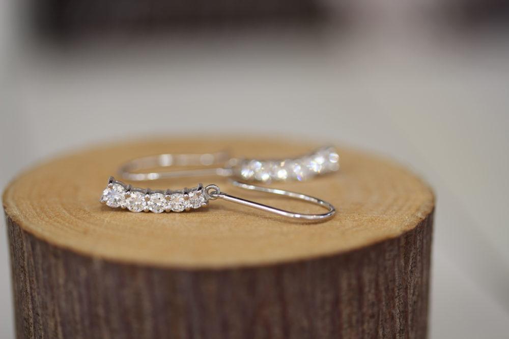 ダイヤモンドの指輪をピアスにリフォーム