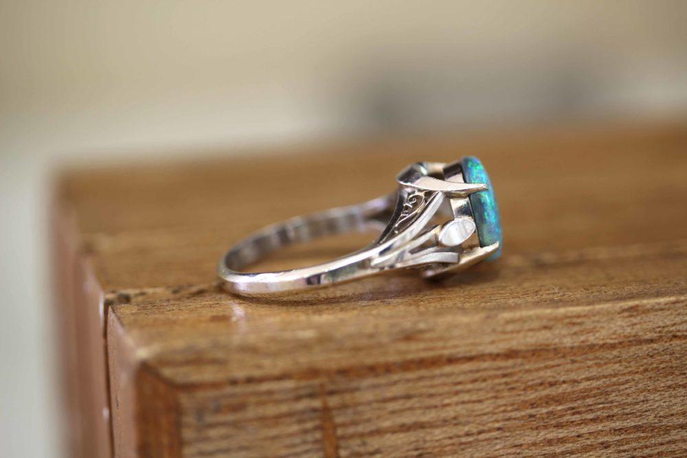 おばあちゃんのブラックオパールの指輪をリフォーム