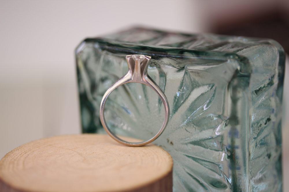おばあちゃんの婚約指輪