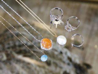 大きめの石がついたおばあちゃんの指輪をネックレスや指輪に♪