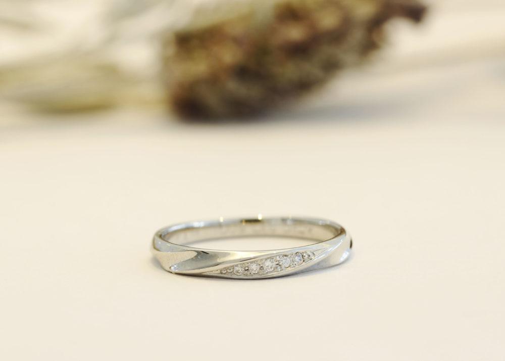 エルドーオリジナルの結婚指輪「ルノア」