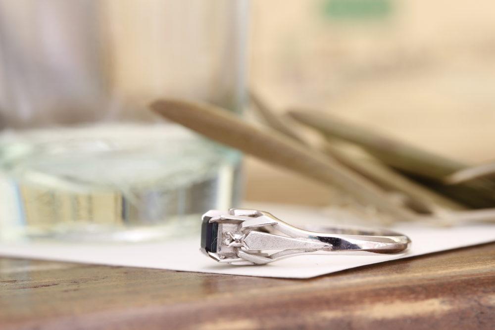 おばあちゃんから譲り受けたサファイヤの指輪