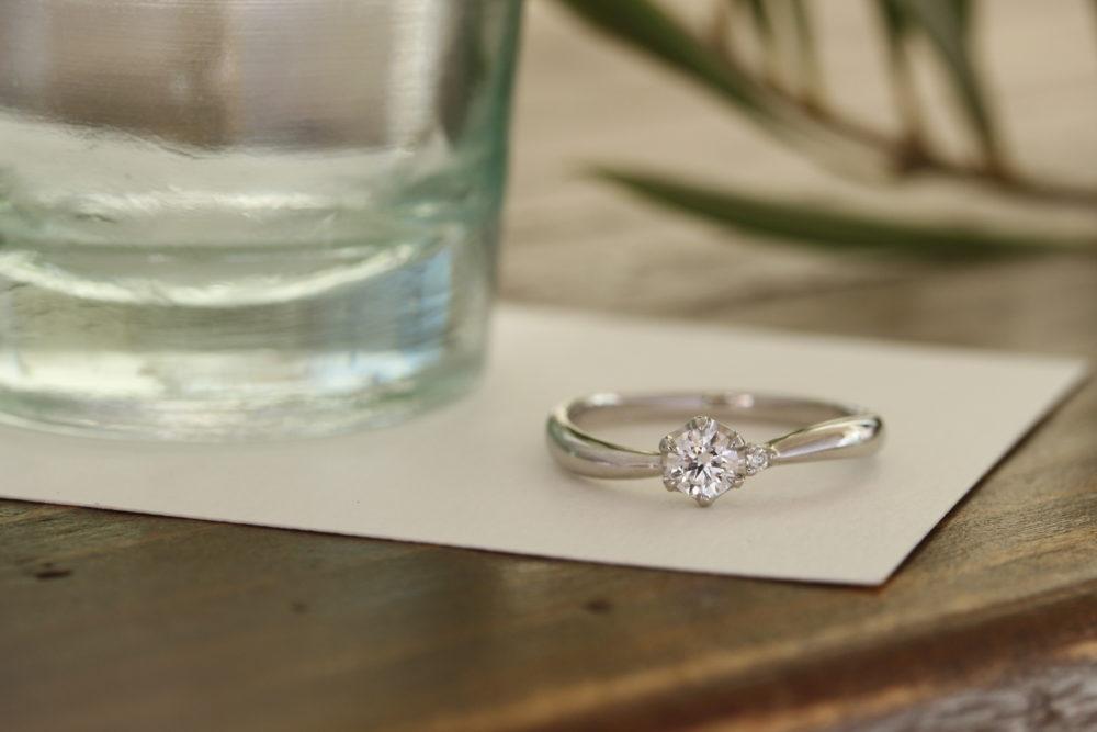 エルドーセレクトブランドの婚約指輪「ディアレスト」