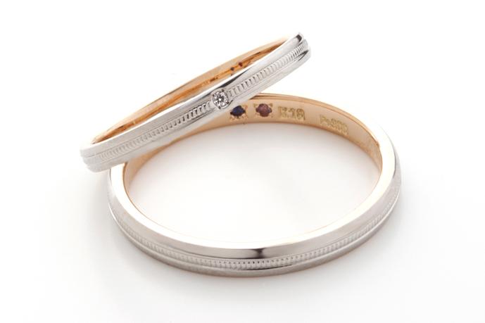 指輪の内側やネックレスの裏側に記載のある数字