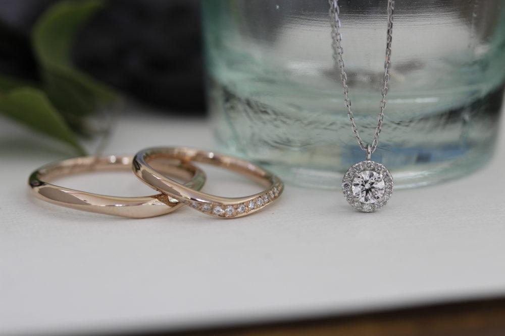 エルドーオリジナルの婚約指輪とエルドーセレクトブランドの結婚指輪「サムシング・ブルー」