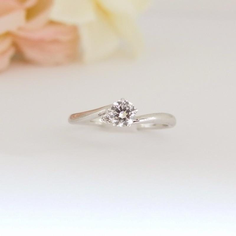 Sラインに1石ダイヤ入りの婚約指輪のエルドーセレクトブランドディアレスト/DEEAREST『シャルマン』