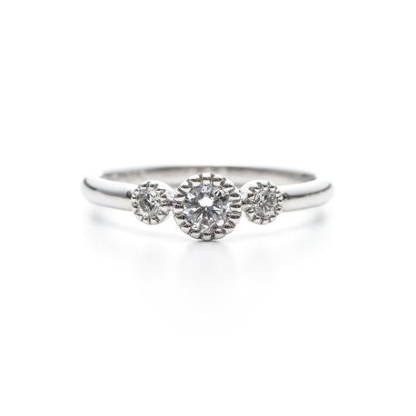 花嫁のブーケをモチーフの指輪言葉のあるエルドーセレクトブランドアフラックス/AFFLUX『ブーケ/贈り物』