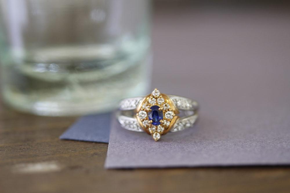 昔購入したお気に入りのサファイアの指輪をずっーと身につけれるネックレスへと