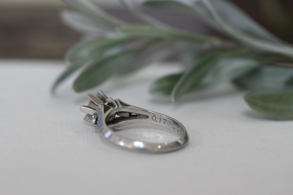昔購入した指輪のダイヤを使ってシンプルなネックレスへと