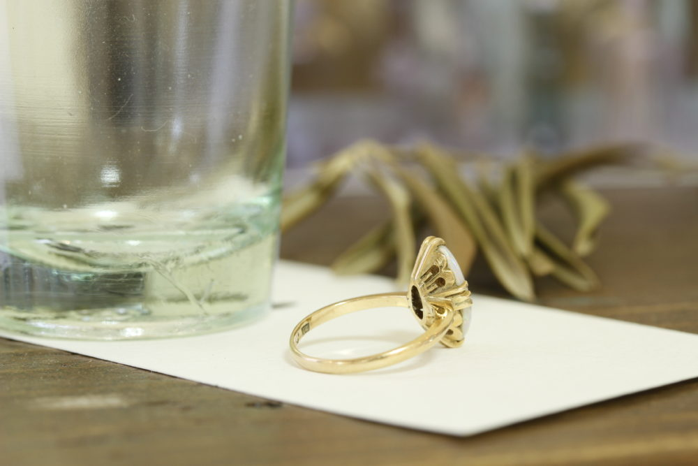 昔ながらのオパールの指輪を今でも使える指輪へ