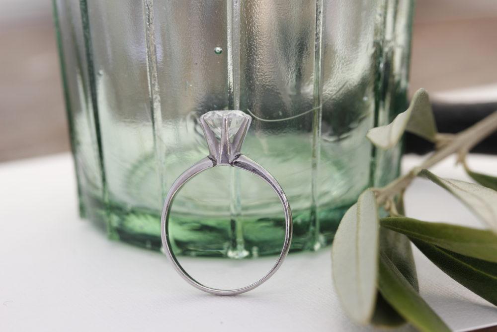 昔購入した指輪のダイヤを使って今風のネックレスへと