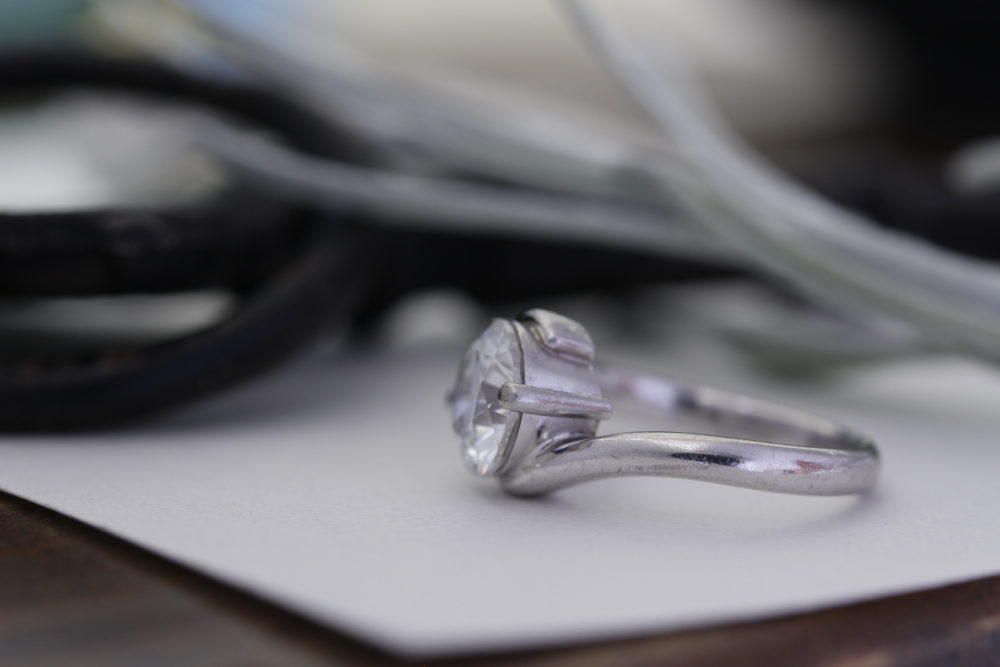 昔購入した指輪のよりしっかりとしたデザインへと