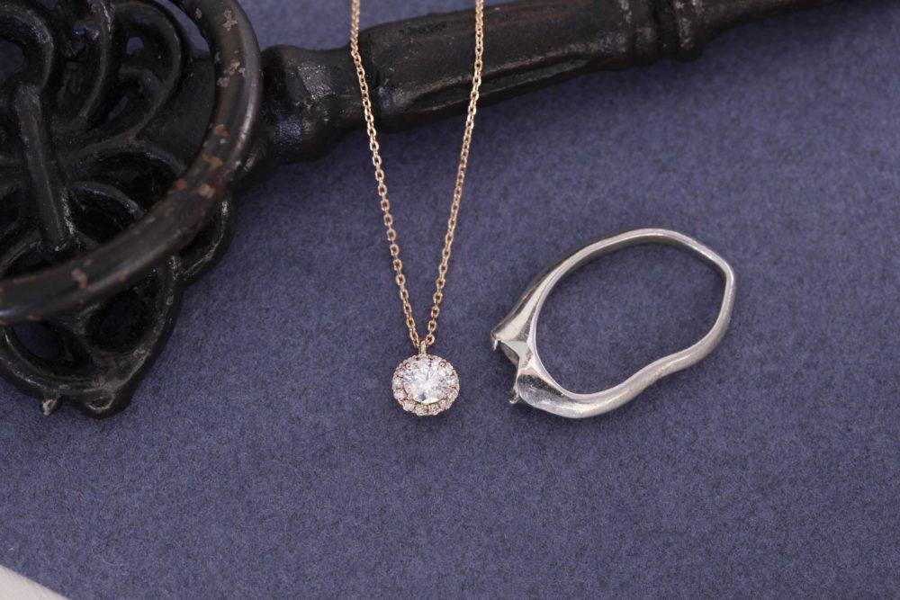母親の婚約指輪のダイヤを使って
