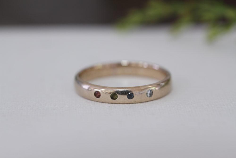結婚指輪にお子様の誕生石を