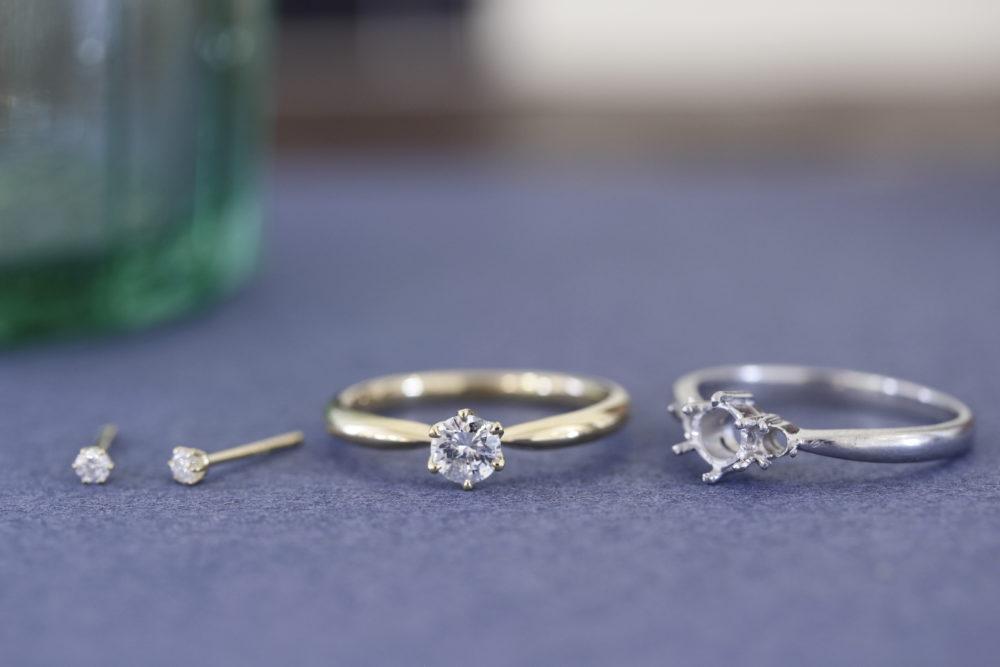 ダイヤの指輪をシンプルなリングとピアスへと