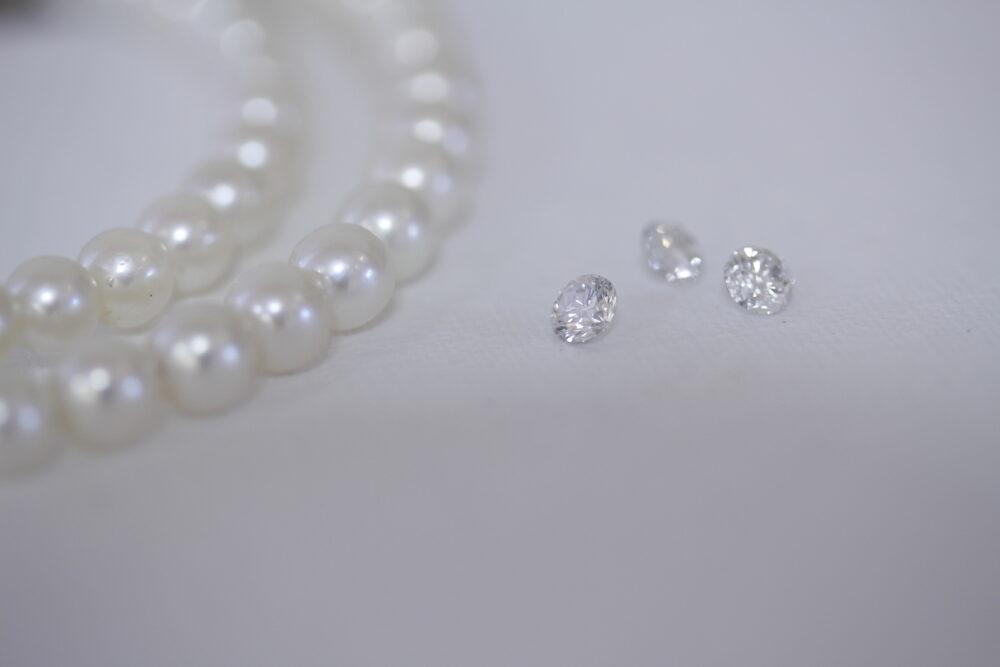 ダイヤのルースと真珠で普段づかいのネックレス