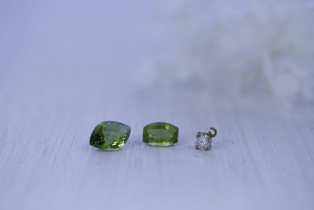 誕生石をネックレスと指輪に